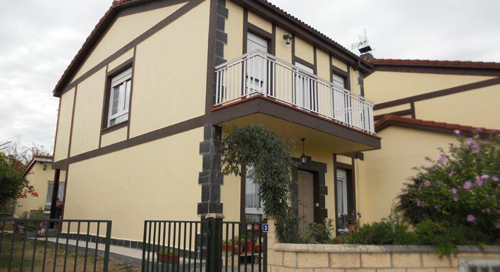 Zona espinosa, fachada principal